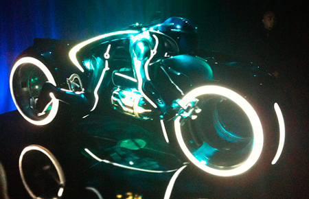 tron2-flynnlives-viral-lightcycle1